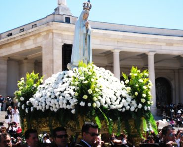 This Is The Undeniable Power Behind The Fatima Marian Apparitions