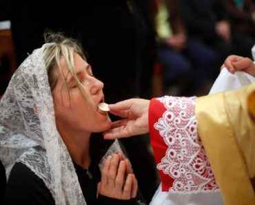 [Warning] Don't Receive Your Next Communion If You Haven't Seen This