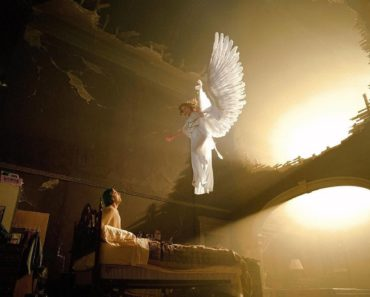 10 Signs Your Guardian Angel is Protecting You Everyday