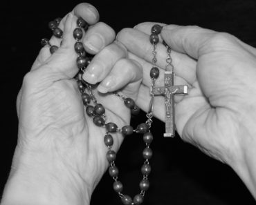 This Is What You Should Do With Your Old Or Broken Rosary