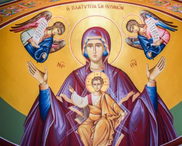 Talk to Mother Mary with this Powerful Prayer and She will Intercede for You Immediately