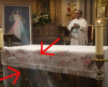 Divine Mercy Miracle? Light Beams From Divine Mercy Image